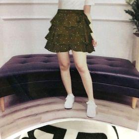 Áo được may cổ tròn in chữ BB chất thun cotton dẽo quần giả váy tầng vải siu Form dáng thích hợp với bạn nữ từ 42kg đến 55kg vừa tùy chiều cao giá sỉ