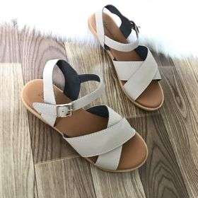 sandal da giá sỉ