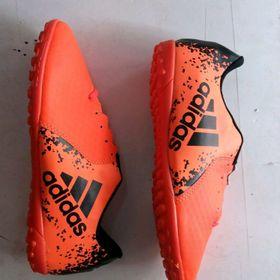 giày đá bóng giá sỉ