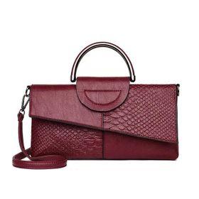 ví cầm tay nữ có dây đeo giá sỉ