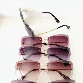 kính mát thời trang của nữ giá sỉ