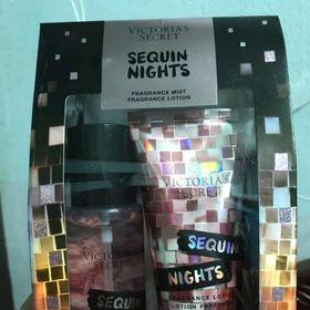 Set Xịt Thơm Và Dưỡng Thể Victoria's Secret Sequin Nights Mini Mist Lotion Gift Set 75ml x 2 giá sỉ