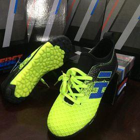 Giày đá bóng trẻ em giá sỉ