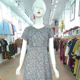 Đầm màu ghi hoa nhí giá sỉ