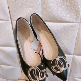 Giày búp bê khoét cạnh 2 màu đen trắng giá sỉ