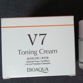 Kem V7 Toning Cream BIOAQUA giá sỉ