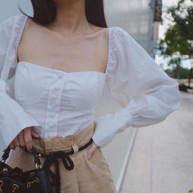 Áo crop trắng cổ vuông giá sỉ