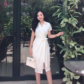 Đầm Sơ Mi Nhún Eo Chất Kate Lụa Free Size 2 Màu Trắng Đen giá sỉ