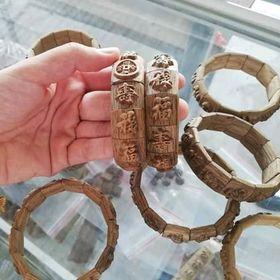 vòng đeo tay trầm hương điêu khắc giá sỉ
