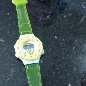 Đồng hồ đeo tay điện tử sẵn pin giá sỉ