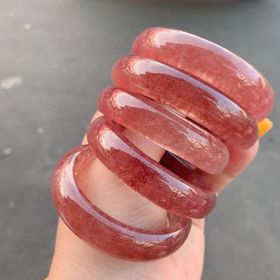vòng tay thạch anh dâu tây thiên nhiên giá sỉ